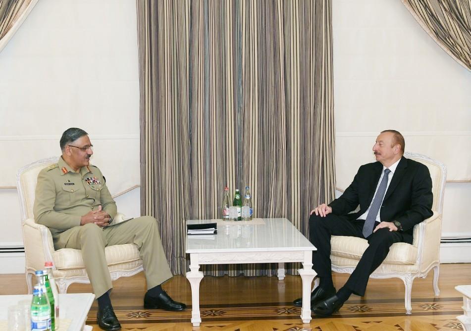 Президент Ильхам Алиев принял председателя Объединенного комитета начальников штабов Пакистана