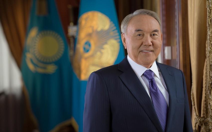 Qazaxıstan prezidenti Türkiyəyə rəsmi səfərə gedib