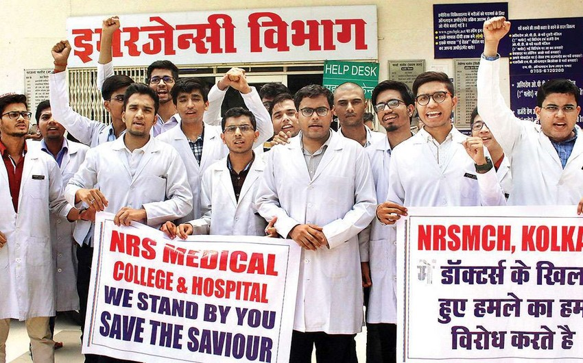 Indian doctors announce a 24-hour strike
