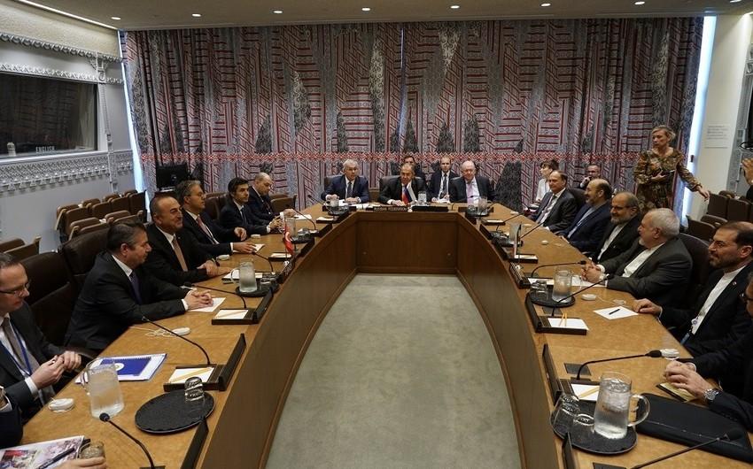 Главы МИД России, Ирана и Турции обсудили ситуацию в Сирии