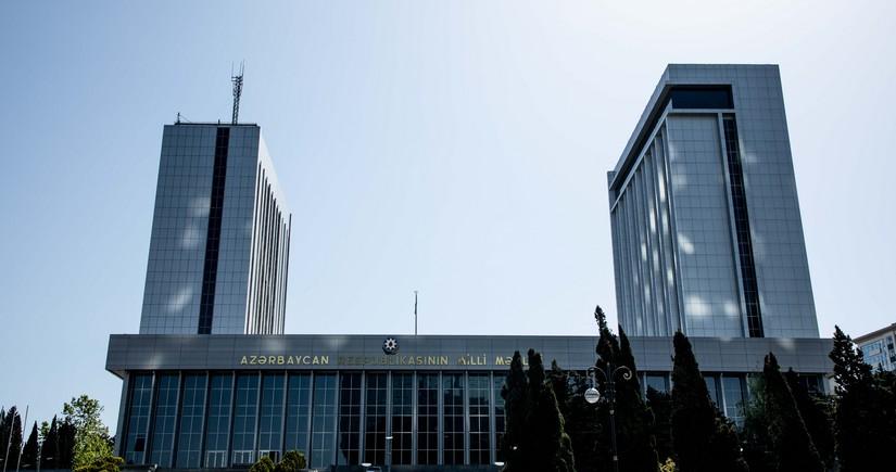Обнародованы имена заразившихся коронавирусом депутатов Милли Меджлиса