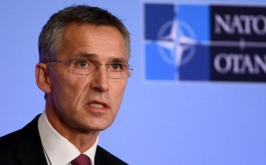 Yens Stoltenberq: Aİ təhlükəsizlik baxımından NATO-dan asılıdır