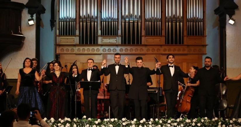 II Azərbaycan Beynəlxalq Vokalçılar Festivalının ilk günü Barokko musiqi axşamı ilə başa çatıb