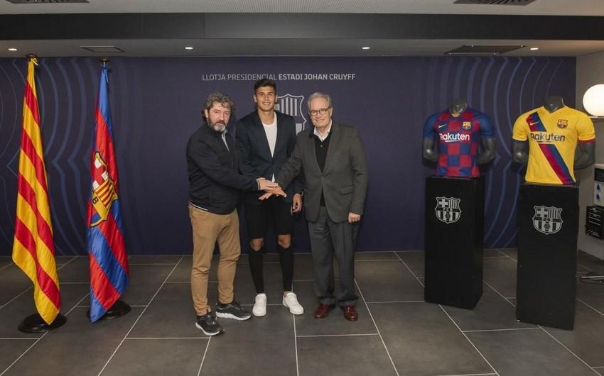 """""""Barselona"""" müdafiəsini gücləndirdi"""