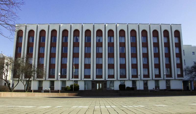 МИД Беларуси: Задержанному в метро Баку белорусу обвинение пока не предъявлено