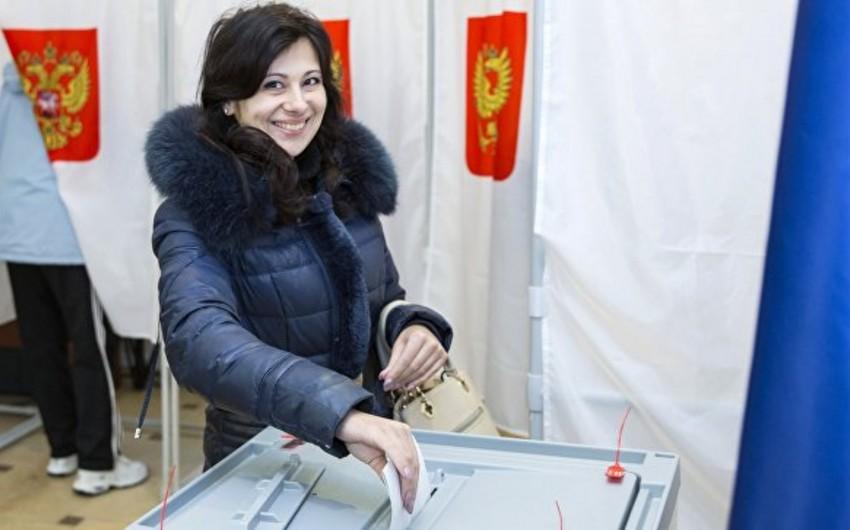 Rusiya seçicilərinin 51,9 faizi prezident seçkilərində səs verib
