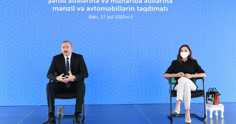Ilham Aliyev, First Lady attend presentation of apartments to martyrs' families