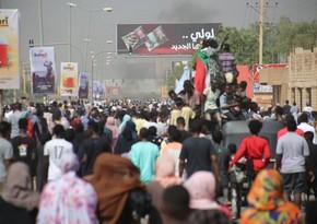 На протестах в Судане погибли семь человек