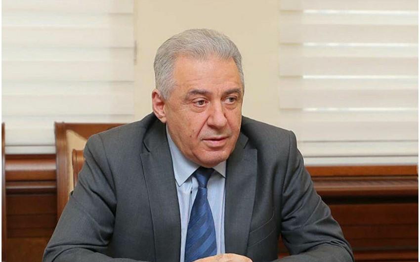 Ermənistanın müdafiə naziri Moskvaya gedir