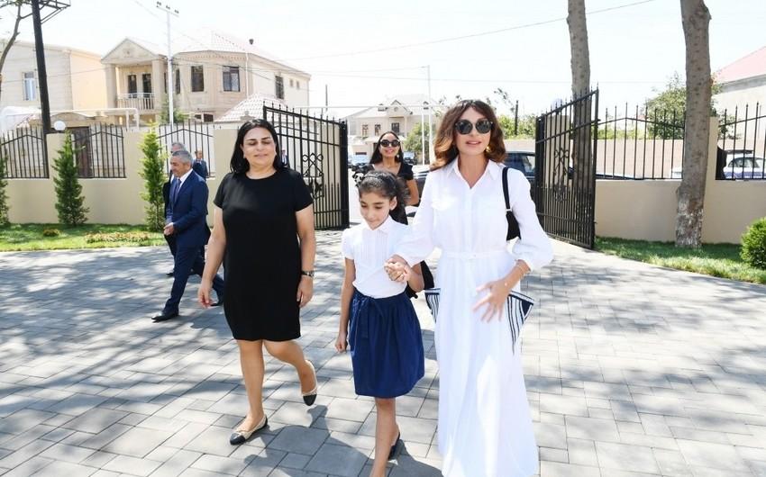 Mehriban Əliyeva körpələr evi-uşaq bağçalarının açılışlarında və balacaların şənliyində iştirak edib