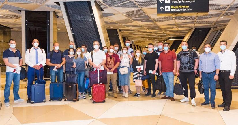AZAL вернул соотечественников на родину из Москвы