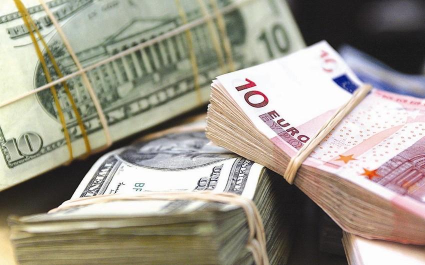 Rusiyanın regionlarındakı valyuta dəyişmə məntəqələrində avro və dolların hamısı satılıb