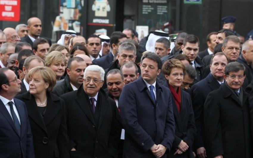 Parisdə terror qurbanlarını anım yürüşü keçirilir