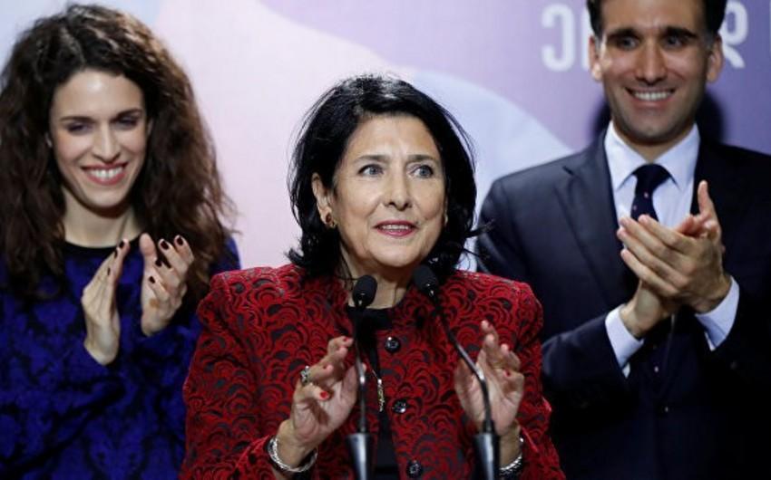 """Gürcüstan Prezidenti: """"Kvemo Kartlidə gürcüdilli uşaq bağçaları açılmalıdır"""""""