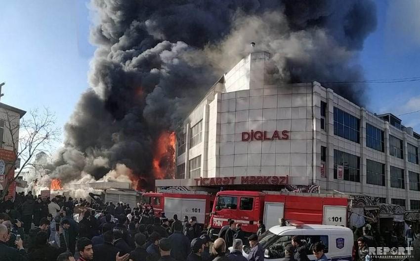 Bakıda ticarət mərkəzində baş verən yanğın söndürülüb - FOTO - VİDEO - YENİLƏNİB-9