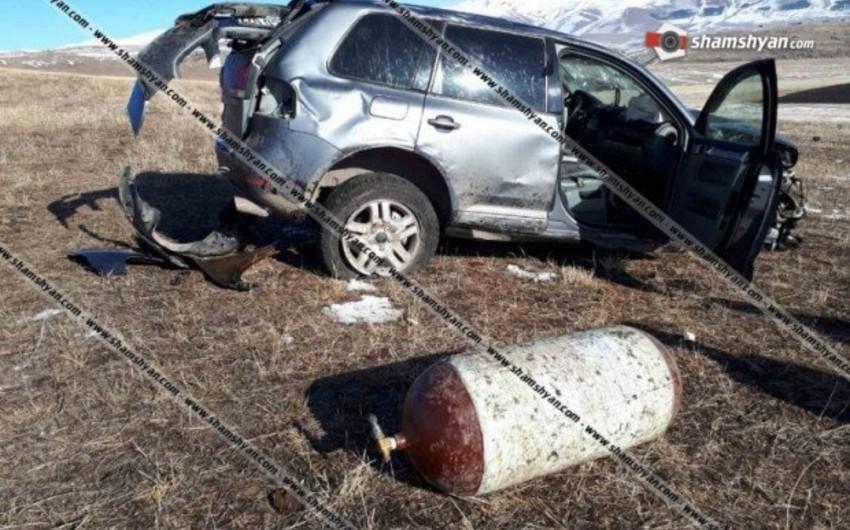 Ermənistanda yol qəzası baş verib, 4 nəfər yaralanıb