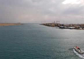 Движение по Суэцкому каналу замедлилось из-за неполадок на танкере
