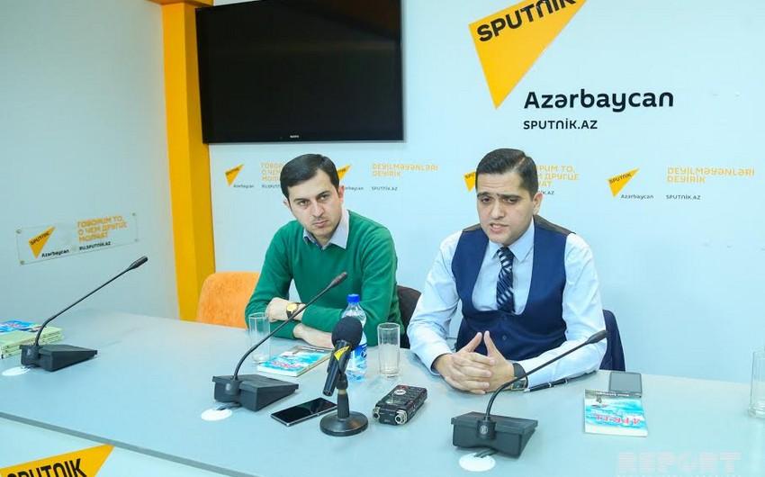 Siyasi analitik Elxan Şahinoğlunun Aprel atəş(kəs)i kitabının təqdimatı olub