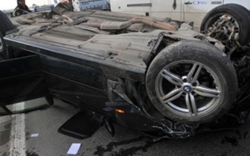 В Гёйчае перевернулся автомобиль, есть пострадавшие