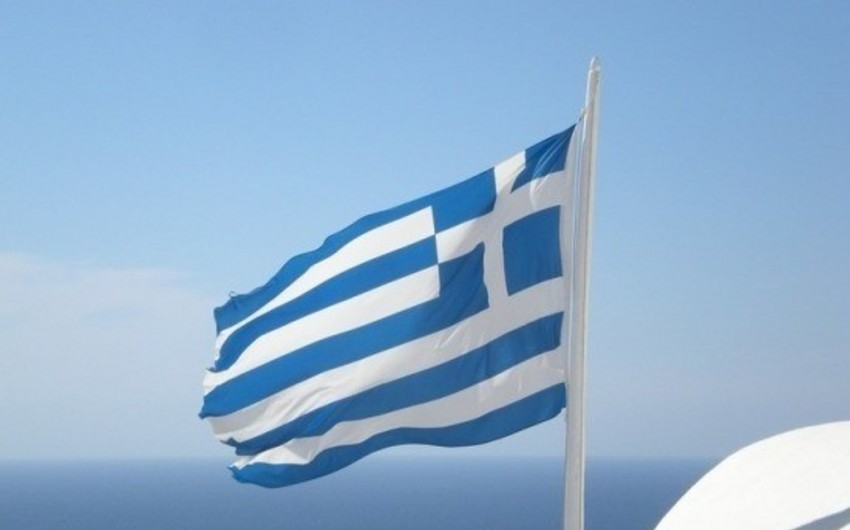 CNN reporter's car burned in Greece
