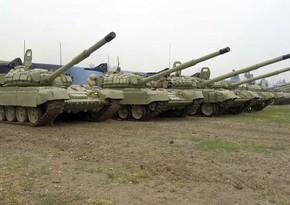 Tank bölmələri artilleriya ilə birgə döyüş tapşırıqlarını icra edirlər