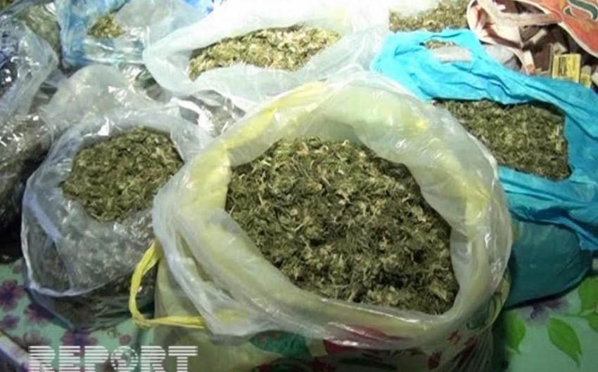 Neftçala sakini külli miqdarda narkotik maddə ilə saxlanılıb - FOTO