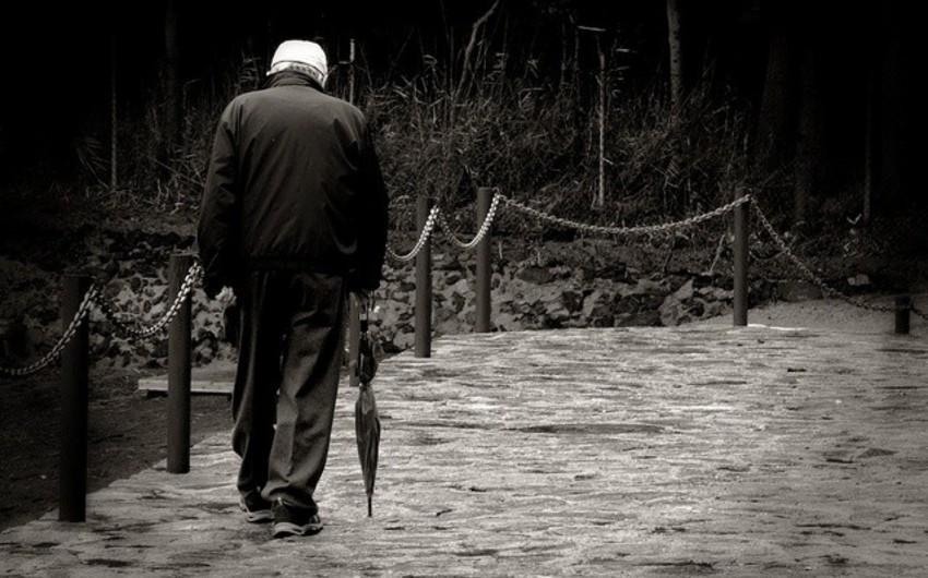 Bakıda itkin düşmüş 86 yaşlı qoca tapılıb