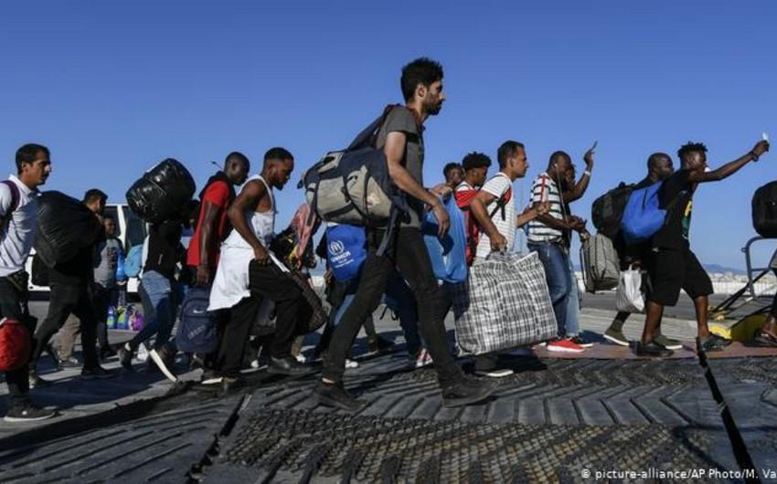 Греция закроет три крупнейших лагеря для беженцев