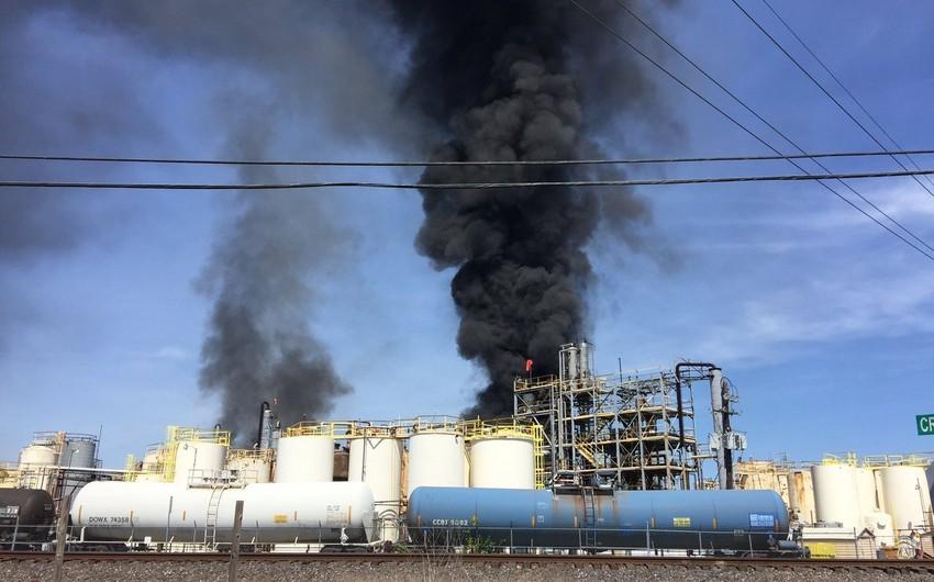 Texasdakı kimya zavodunda baş verən yanğında 1 nəfər ölüb