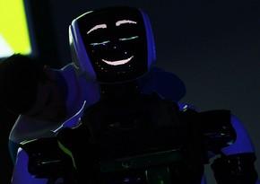 Rusiyada robotlar restoranlar, hava limanları və məktəblərdə işə götürüləcək