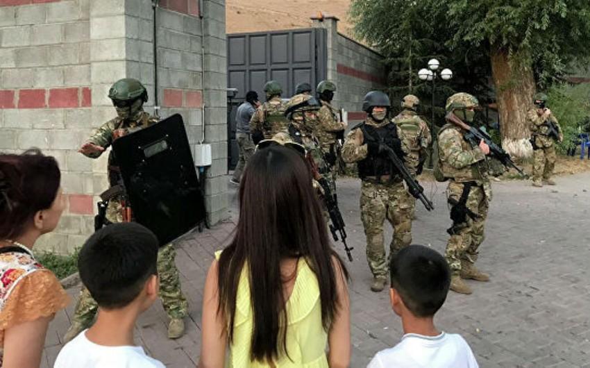 Atambayevin iqamətgahına hücum nəticəsində yaralananların sayı 48-ə çatıb - YENİLƏNİB-2