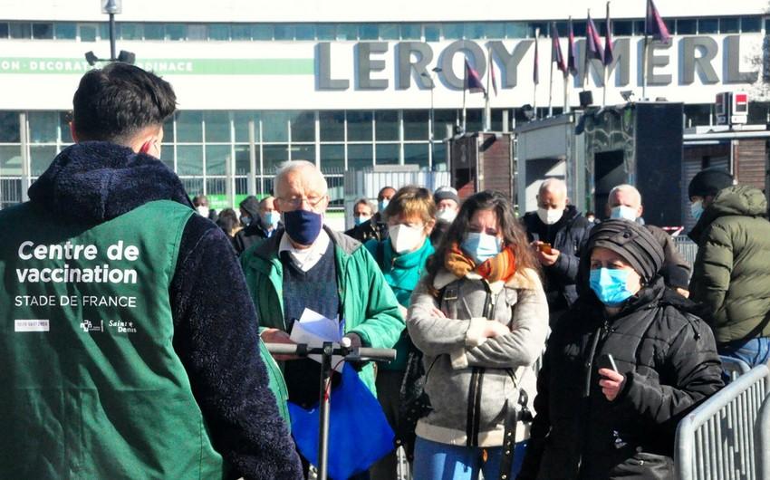 Почти треть населения Евросоюза сделали первую прививку от коронавируса