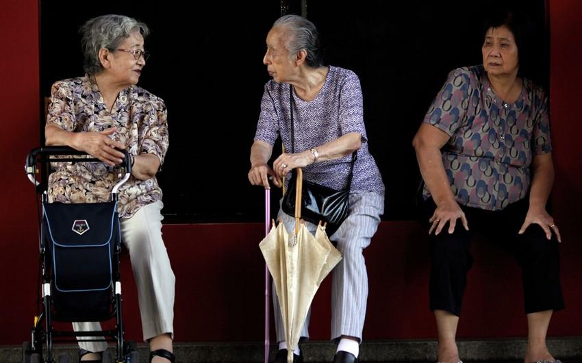 Yaponiyada yaşlıların sayı rekord səviyyəyə çatıb