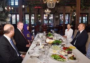Dinner hosted on behalf of President Ilham Aliyev, First Lady Mehriban Aliyeva in honor of President Recep Tayyip Erdogan and his wife Emine Erdogan