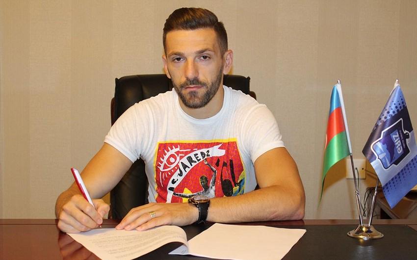 Zirə klubu albaniyalı futbolçu ilə müqavilə imzalayıb