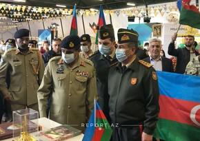 Zakir Həsənov Moskvada Azərbaycan stendinə baxış keçirib