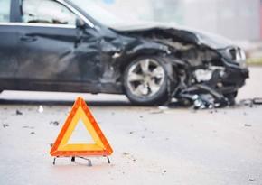 В Баку перевернулся автомобиль, есть погибший