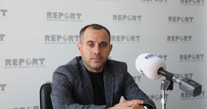 Ayxan Abbasov: Qarabağ bizdən də çətin durumdadır