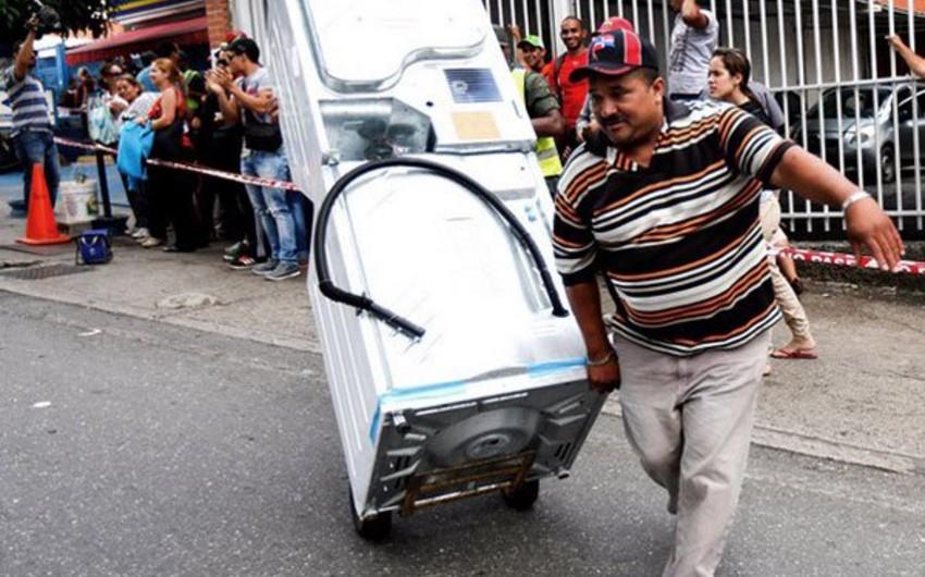 Venesuelada baş vermiş kütləvi qarətlər zamanı 10 nəfər öldürülüb