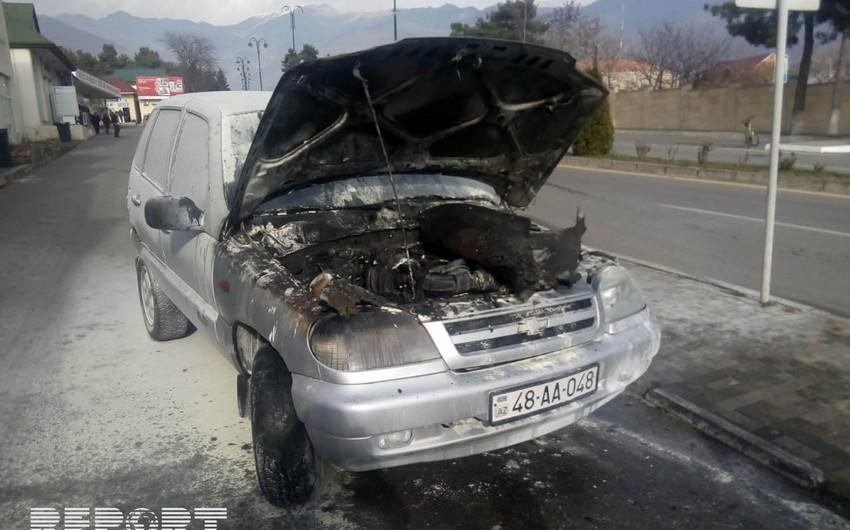 Oğuz rayon Təhsil şöbəsinə məxsus avtomobil yanıb - FOTO