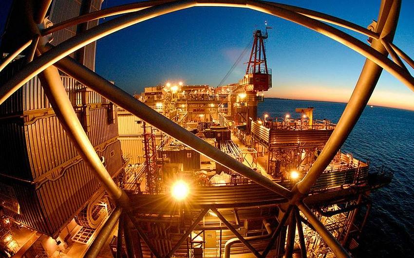 Küveyt gündəlik neft hasilatını 130 min barel azaldıb
