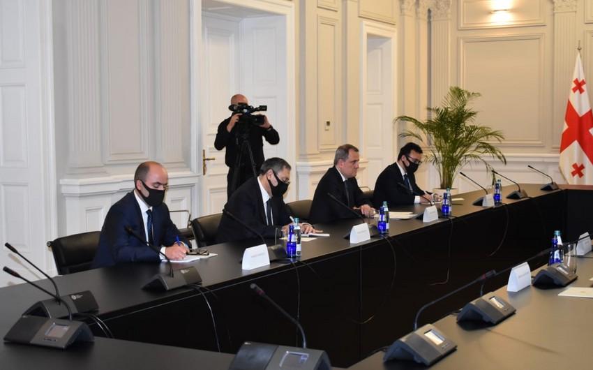 Gürcüstan prezidenti Azərbaycanın XİN başçısını qəbul edib