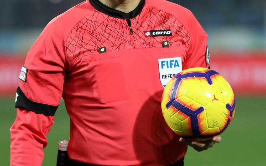 Двое футболистов наказаны за оскорбление судьи