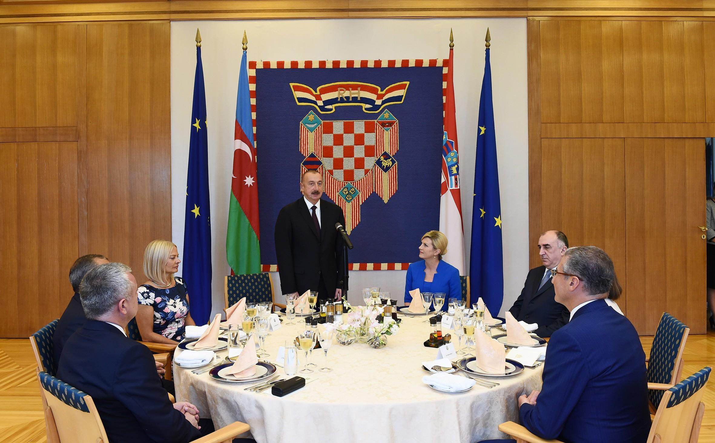 Ильхам Алиев пригласил президента Хорватии совершить визит в Азербайджан