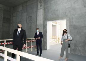 Президент ознакомился со строительством нового здания драмтеатра в Гяндже