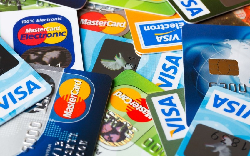"""""""Visa"""" və """"MasterCard"""" plastik kartların müddətilə bağlı məsələyə aydınlıq gətirdi"""