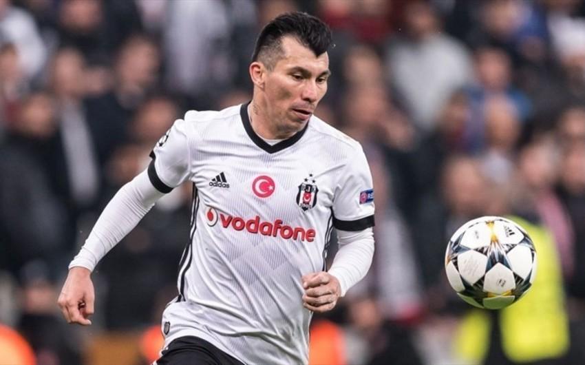 Beşiktaş futbolçusunu 2.5 milyon avroya İtaliya klubuna satıb