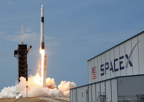 SpaceX to send crew of 'everyday people' into orbit on Dragon