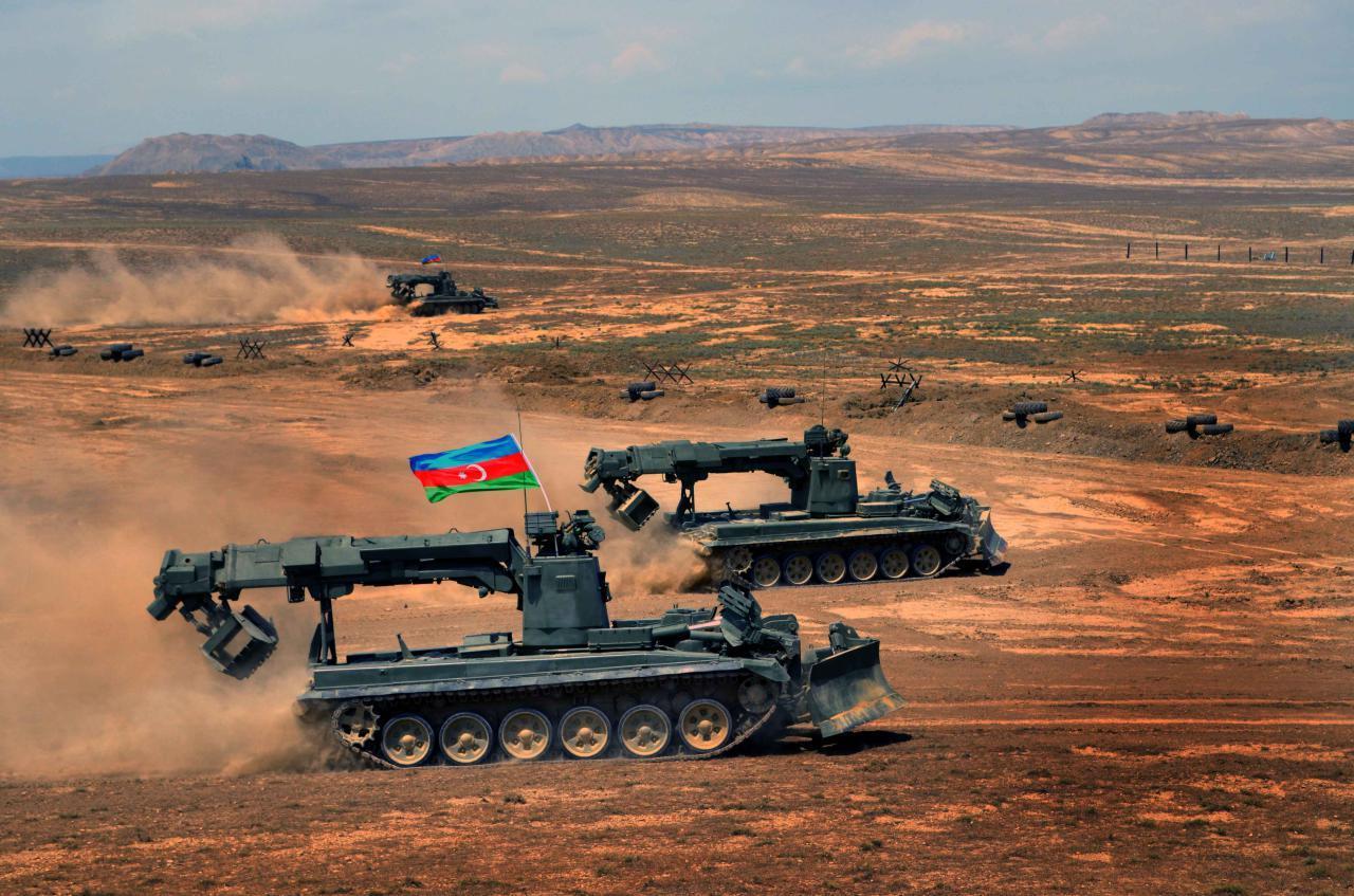 MN: Azərbaycan Ordusu dağıdıcı gücə malik silahların yalnız cüzi hissəsini istifadə edib