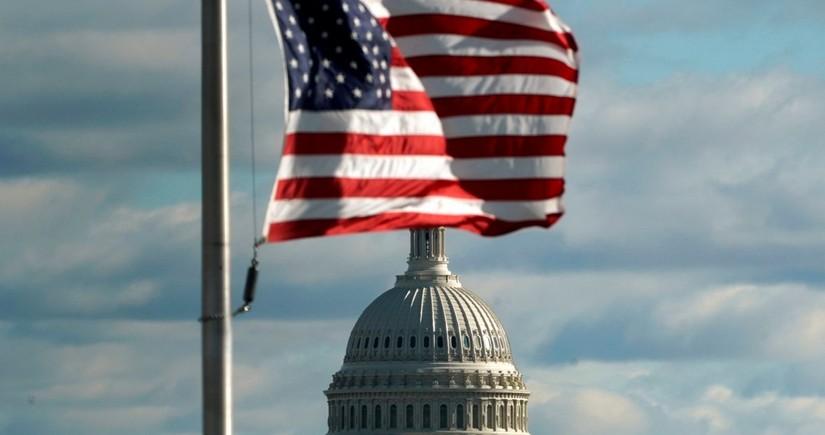 Demokratlar Senatda üstünlük qazandı